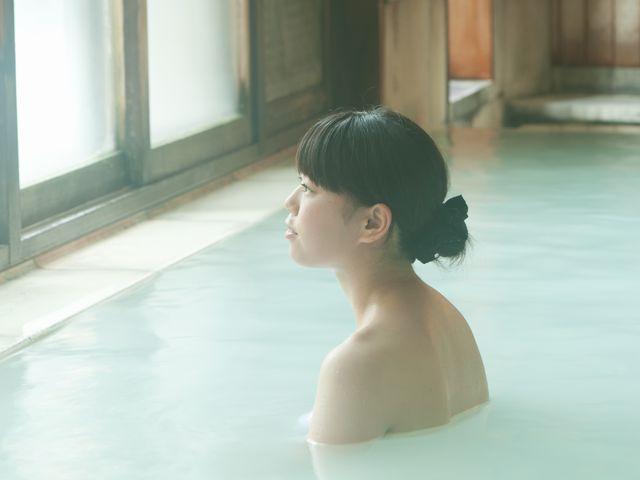บ่อน้ำพุร้อน(Onsen) น้ำพุร้อนกำมะถันญี่ปุ่น