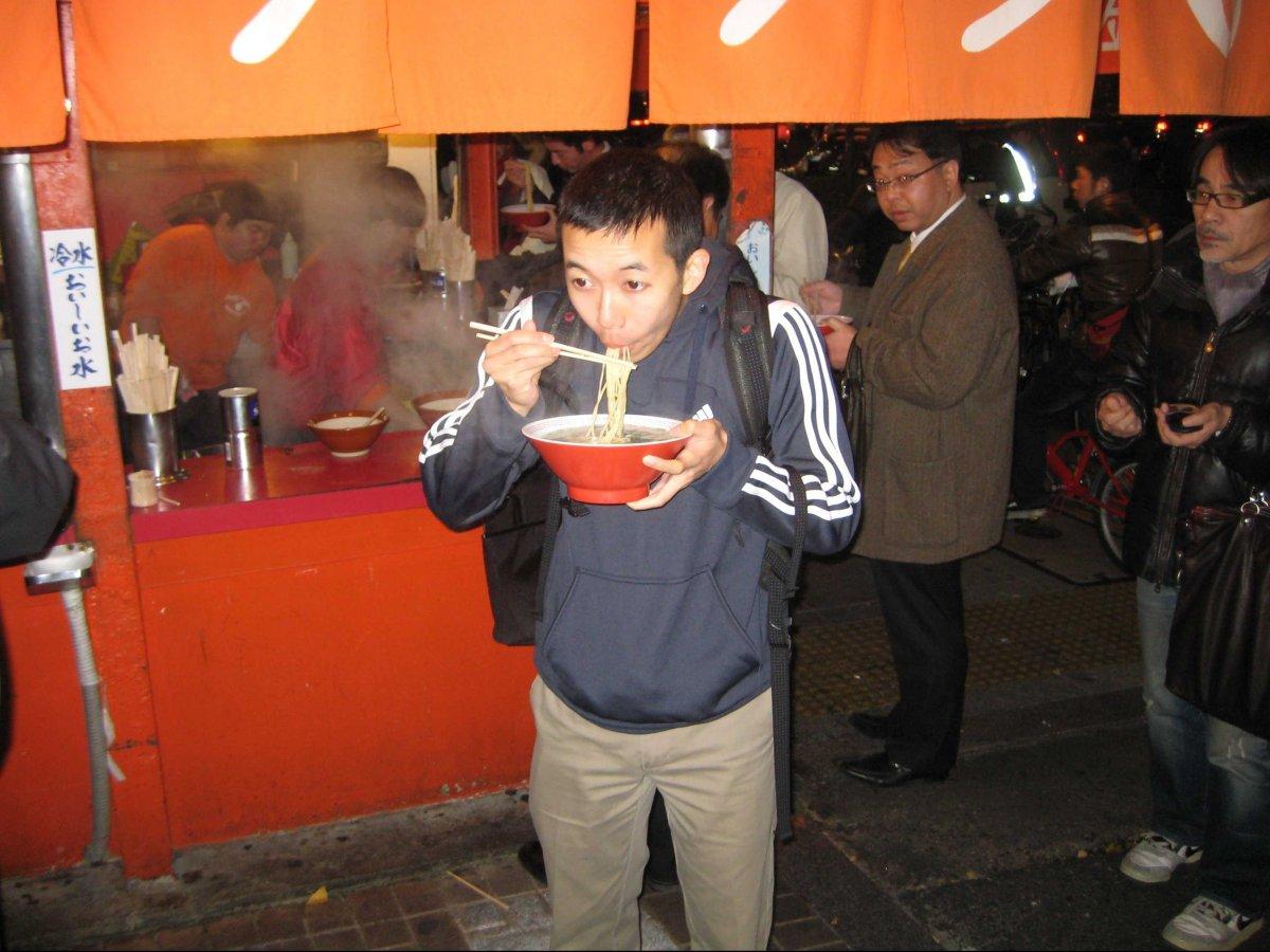 slurping-noodles-in-osaka-japan