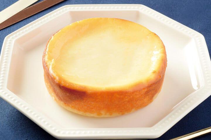 อร่อยอีกแล้วกับชีสเค้กอบหอมกรุ่น เมนูน่าลองจาก Lawson ญี่ปุ่น