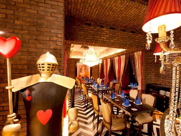 8Oct_Alice_Ancient_Castle_Restaurant_1