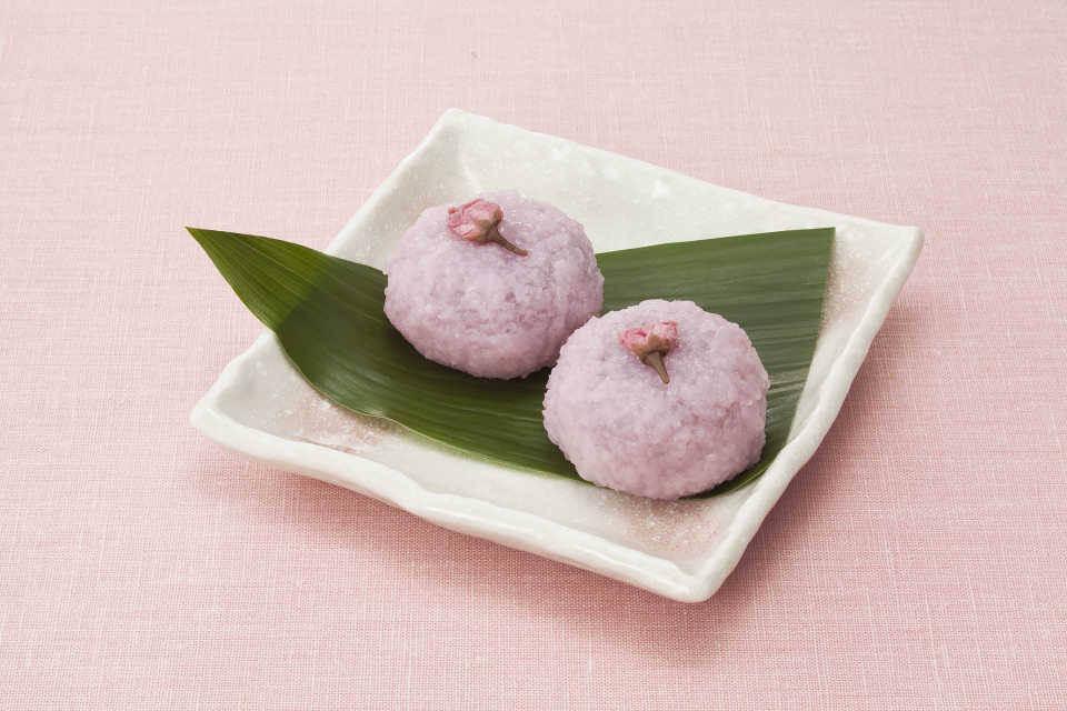7-11 sakura mochi