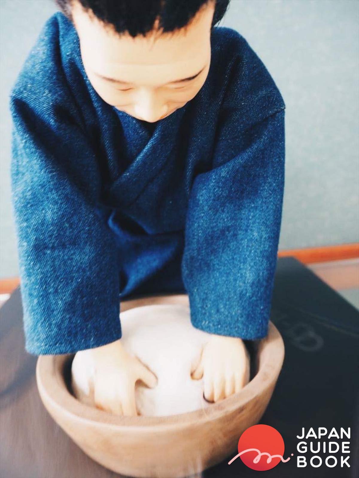 ตุ๊กตาแสดงการนวดแป้ง