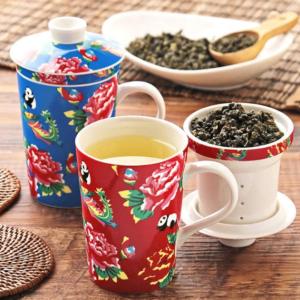 จิบชาชิว ๆ กับชุดชงชาเก๋ ๆ สีสันสุดน่ารัก ( Kaldi Coffee Farm )