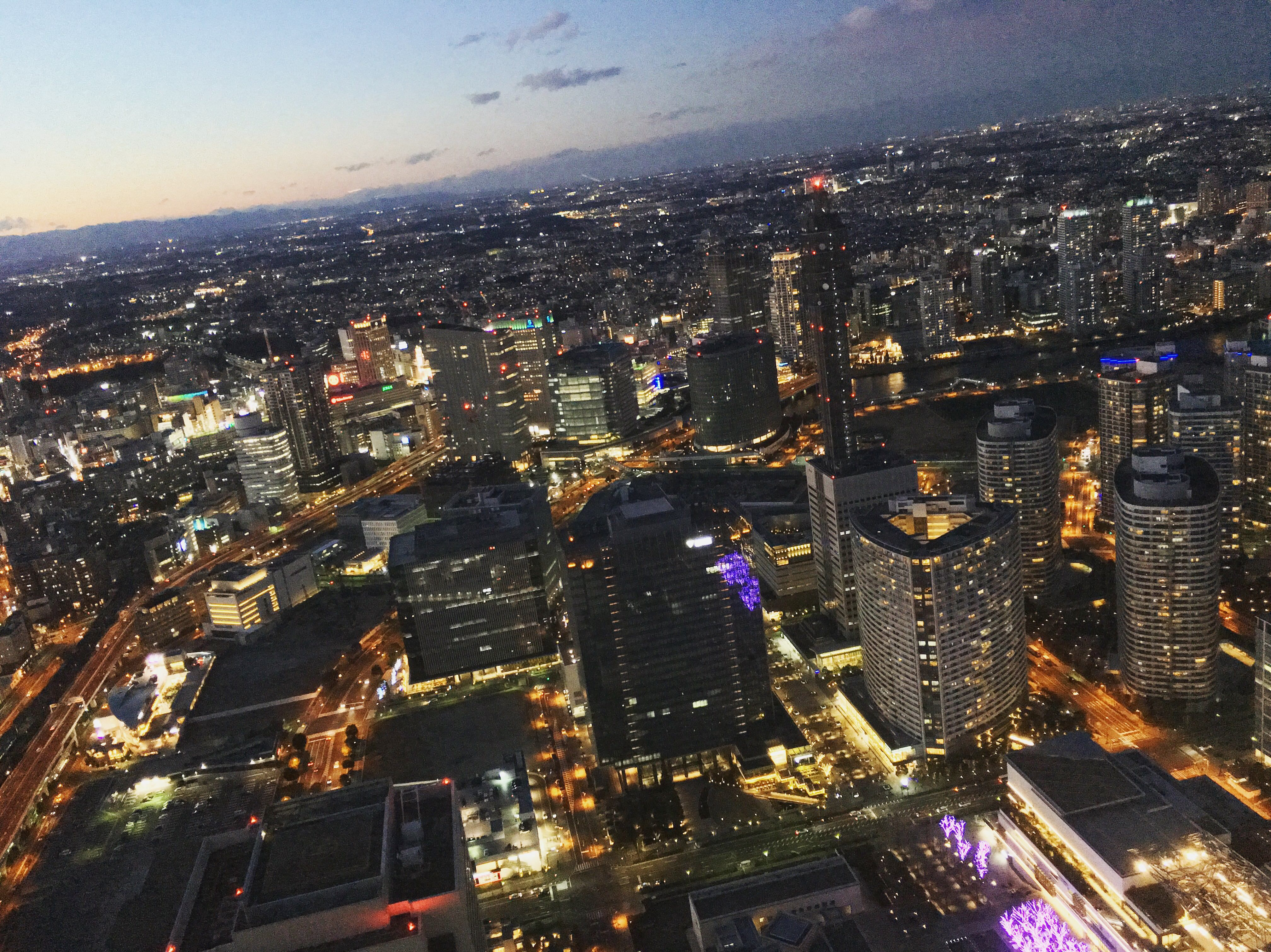 ถ่ายรูปชมวิว 360 องศา ที่ชั้น 69 ของ Yokohama Landmark Tower เมืองโยโกฮาม่า