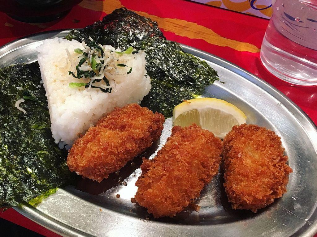 หอยนางรมทอด ในเซ็ต Tsukemen ร้าน Bakudan-ya Hiroshima