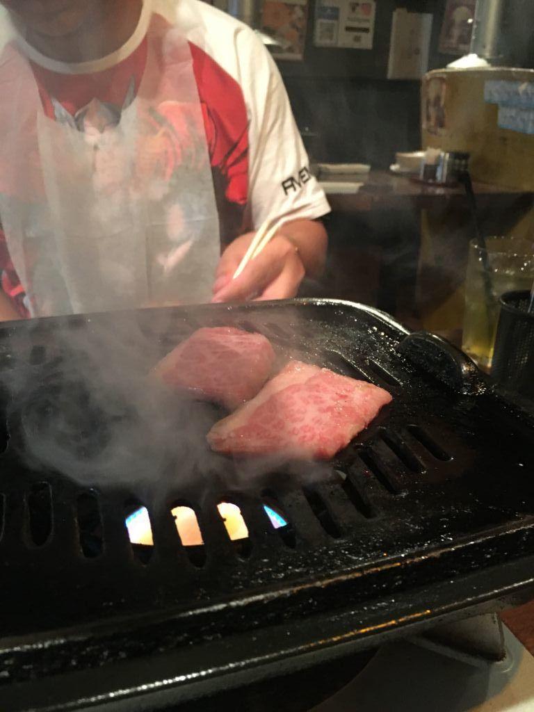 ร้าน Nikuya-no Daidokoro 肉屋の台所บุฟเฟ่ต์ปิ้งย่างเนื้อวากิวพรีเมียม ใจกลางชิบูย่า ชั้น 3 Kasumi Building