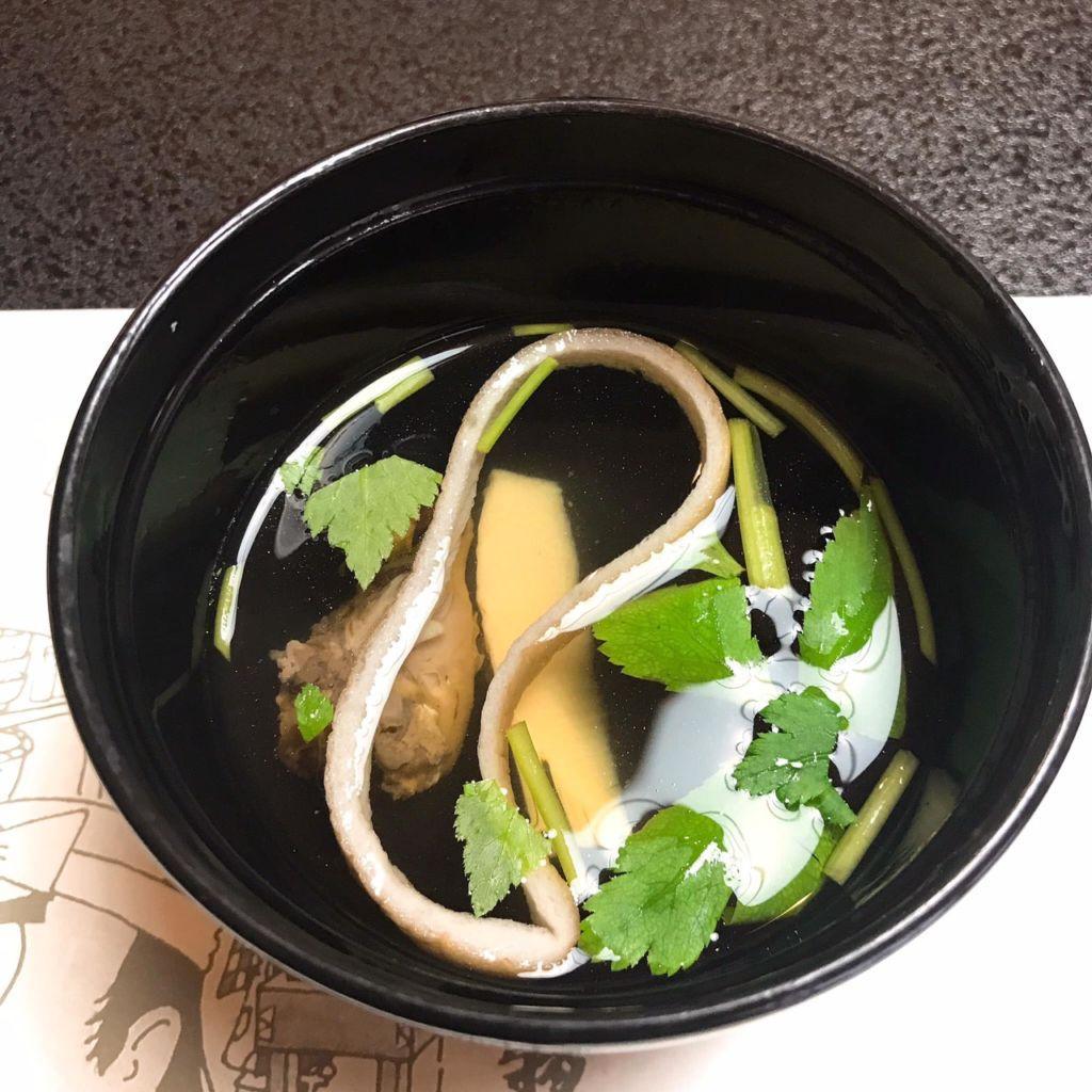 ซุปกินคู่กับข้าวหน้าปลาไหล