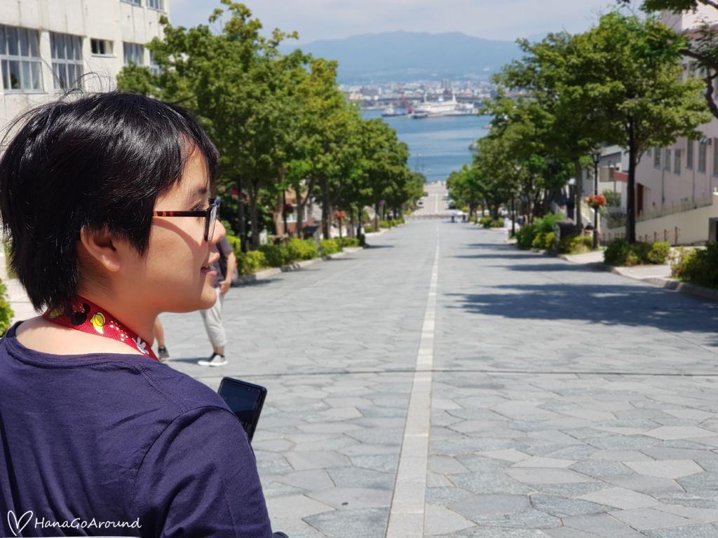 เนินฮาจิมันซากะ (Hachiman-Saka Slope)