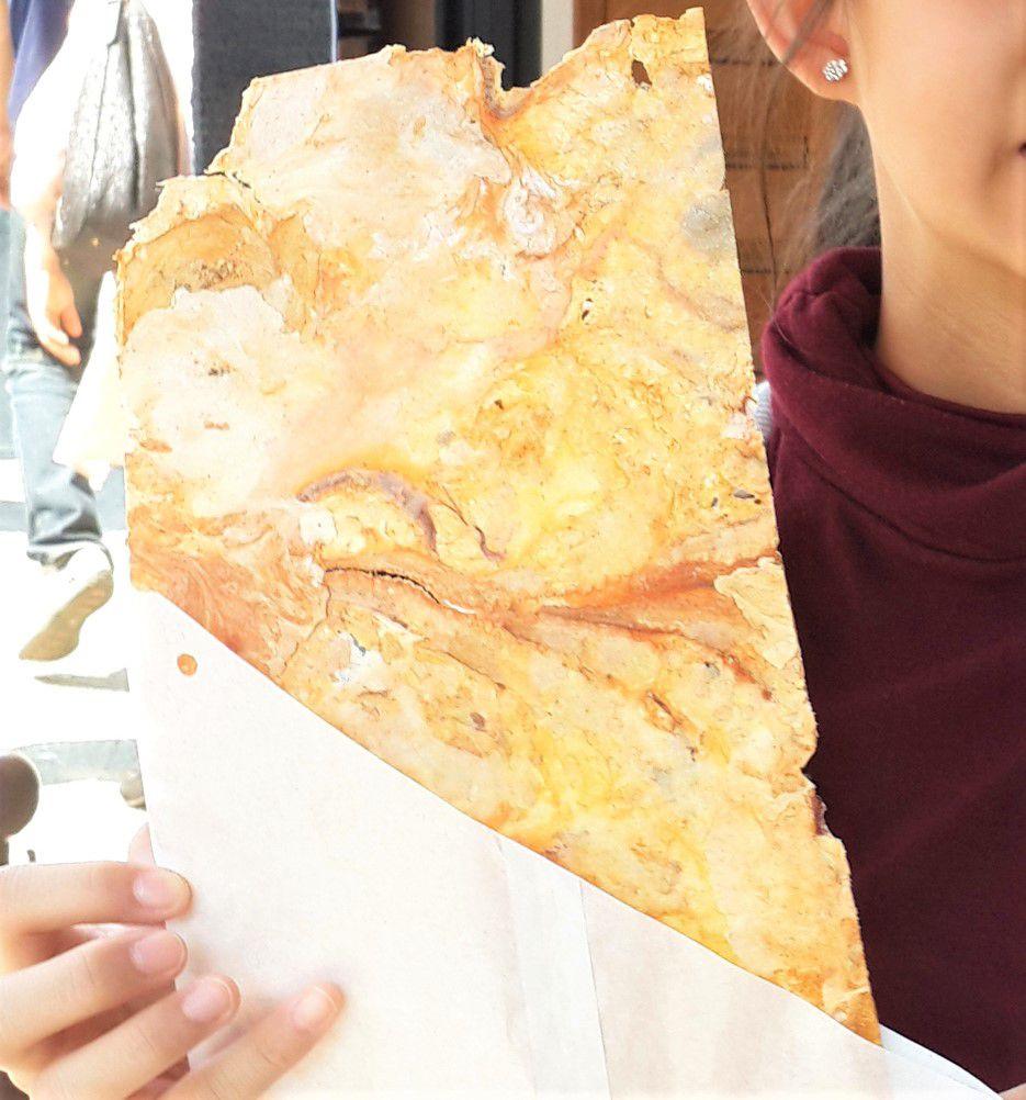 เอบิเซมเบ้ (Ebi senbei) ข้าวเกรียบกุ้ง ในเมืองคามาคุระ