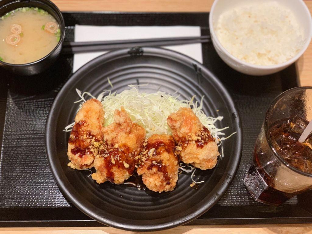 เซตไก่ทอดคารายามะ ซอสกระเทียม ร้าน Karayama (คารายามะ)