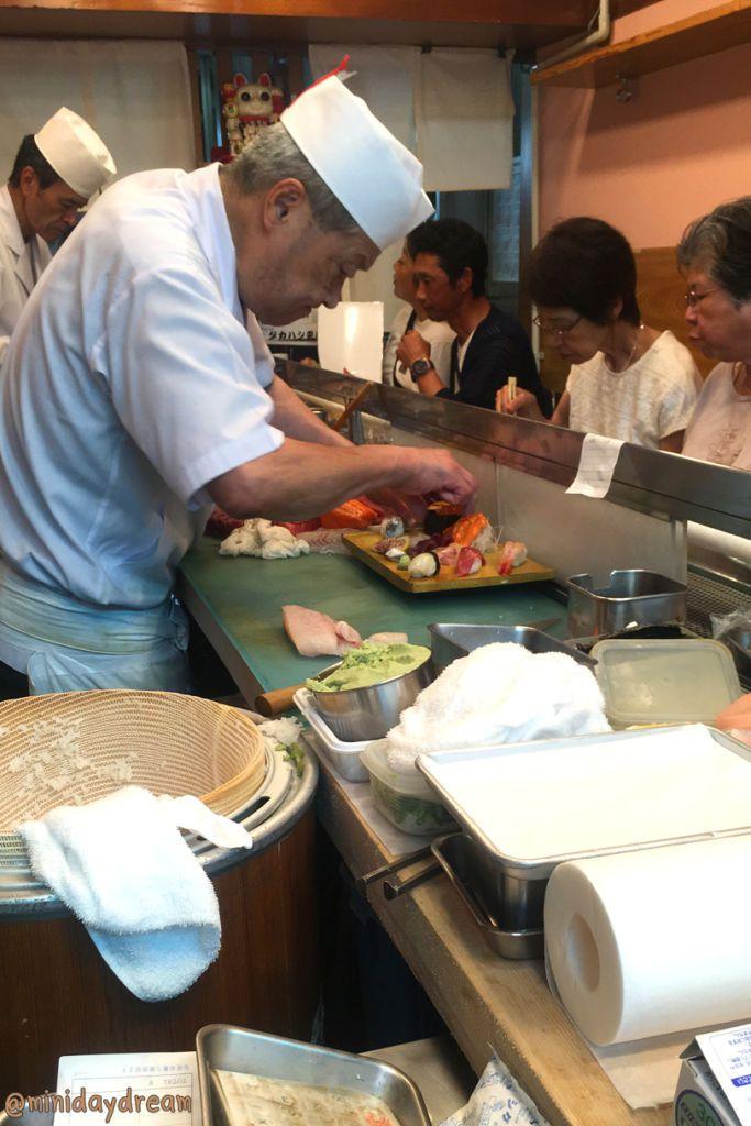 Bentomi Sushi (弁富すし) ตลาดปลาสึคิจิ