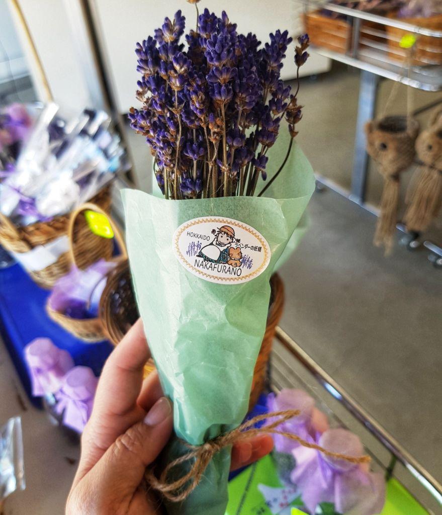 ของฝากจากทุ่งลาเวนเดอร์ที่ Choei Lavender farm เมืองนะกะฟุราโนะ (Nakafurano)