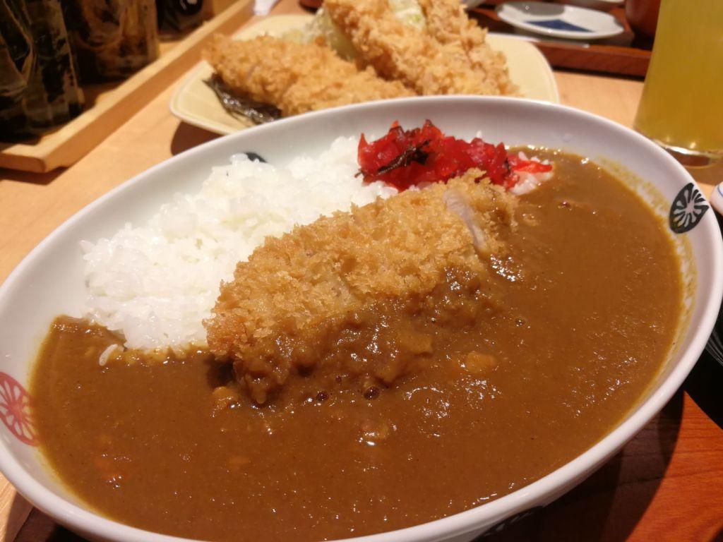ข้าวแกงกะหรี่ TONKATSU WAKO ทงคัตสึ วาโก