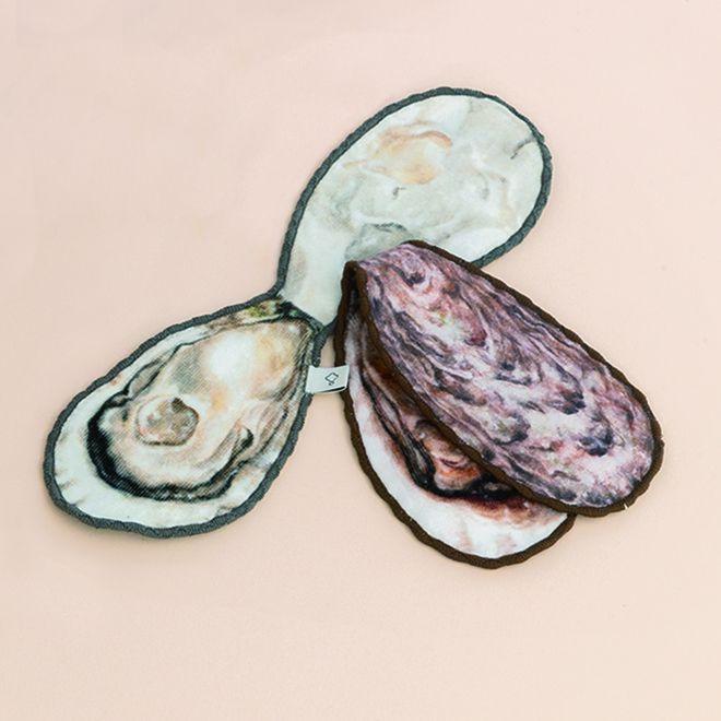 ไอเทมเด็ด!! กระเป๋าสะพาย & ผ้าเช็ดหน้าหอยนางรม