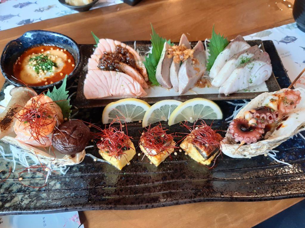 เมนูซาชิมิร้านMaguro ร้านอาหารญี่ปุ่นที่เมกาบางนา (Mega Bangna)