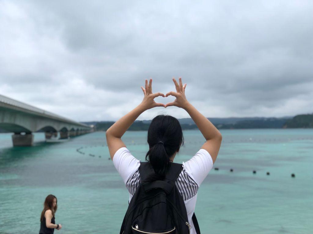 สะพานข้ามเกาะโคอุริโอกินาว่า