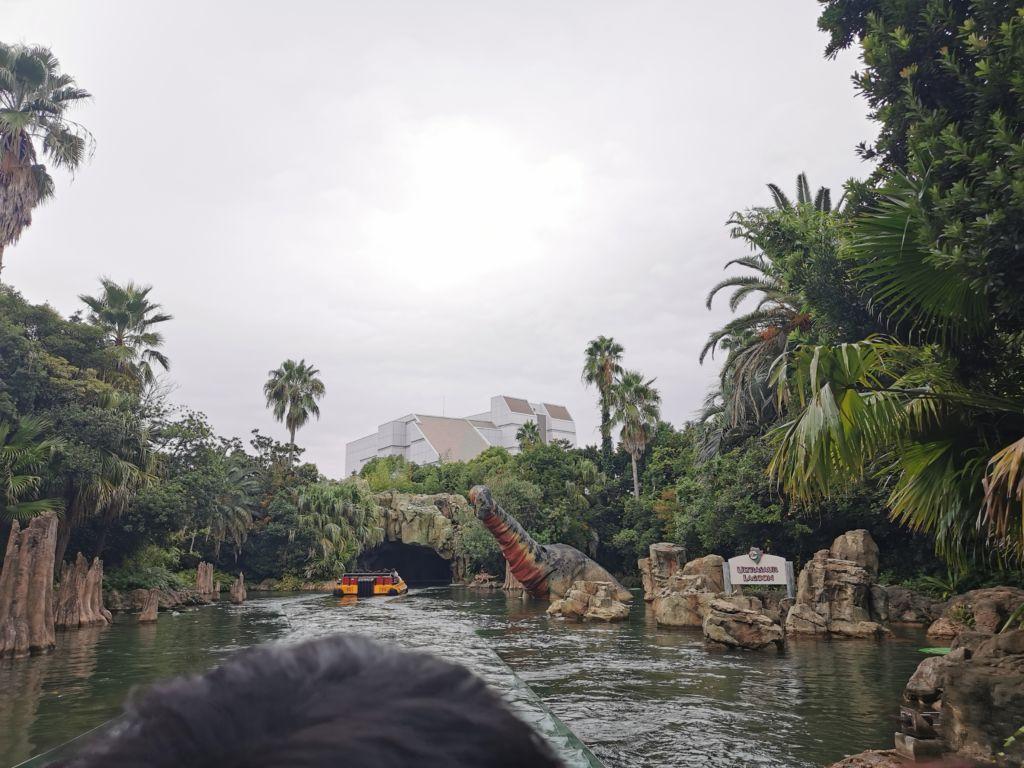 เครื่องเล่น Jurassic Park the Ride ที่ Universal Studios Japan