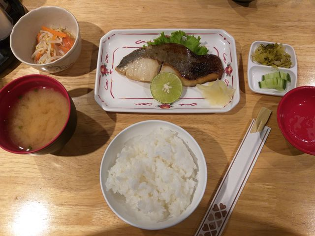 เซ็ตปลาเมไดมิโซะยากิ The Japan Restaurant อาคารสาทรธานี