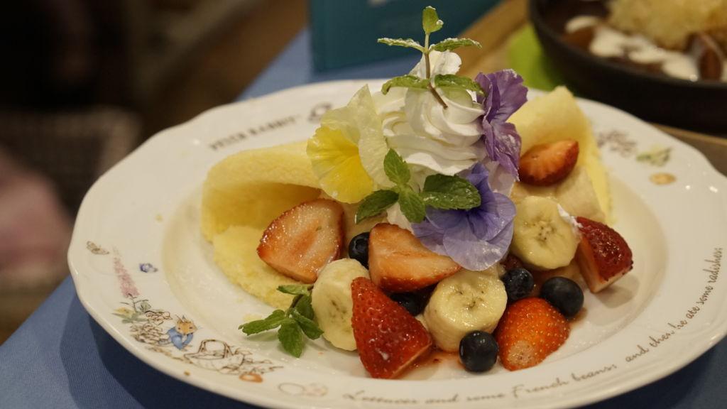 Flowery Fruit Cake คาเฟ่กระต่าย Peter Rabbit Garden Cafe โตเกียว