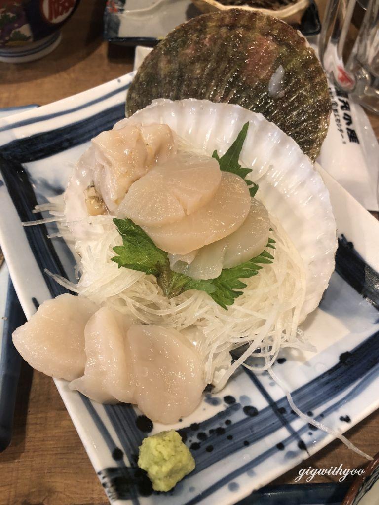 หอยเชลล์สด ร้านซีฟู๊ดเปิดตลอด 24 ชั่วโมงIsomaru Suisan