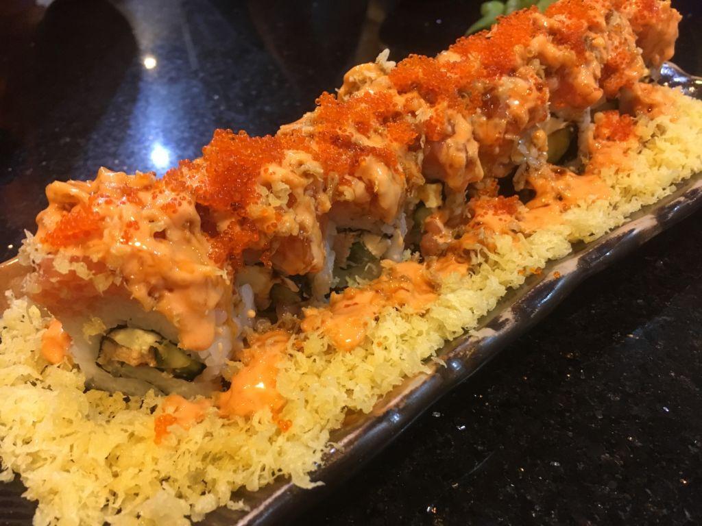 Salmon Foie Gras Cheese Roll ที่ Fin Sushi ร้านซูชิบาร์ในระยอง