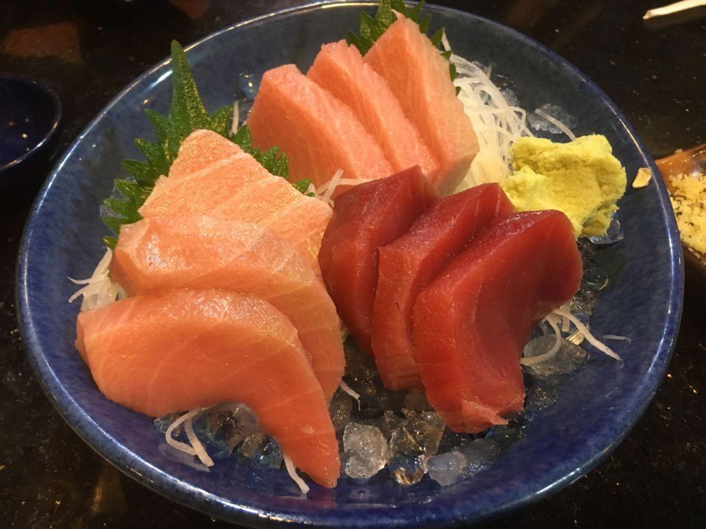 Makuro Mori Sashimi ที่ Fin Sushi ร้านซูชิบาร์ในระยอง