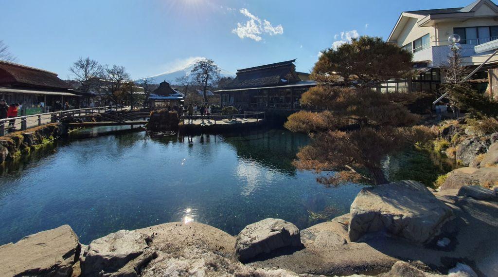 Oshino Hakkai หรือ ที่เรียกว่า หมู่บ้านน้ำใส