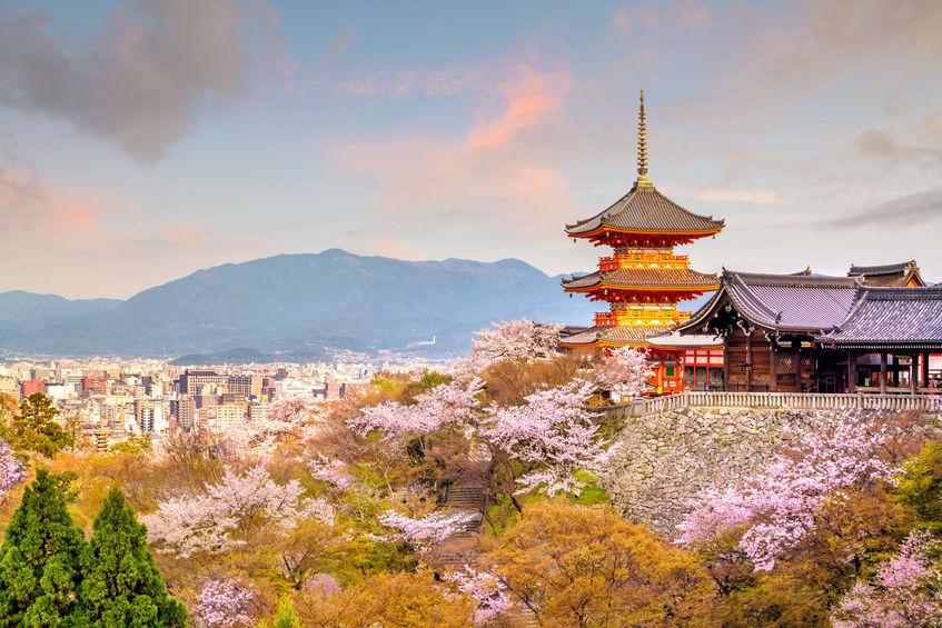 วัดคิโยมิสึ (Kiyomizudera | 清水寺) 15 จุดชมซากุระต้องห้ามพลาดในเกียวโต (Kyoto)