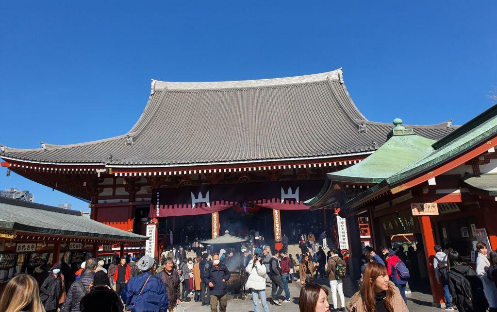 วัดเซ็นโซจิ (Sensoji Temple) หรือวัดอาซากุสะ