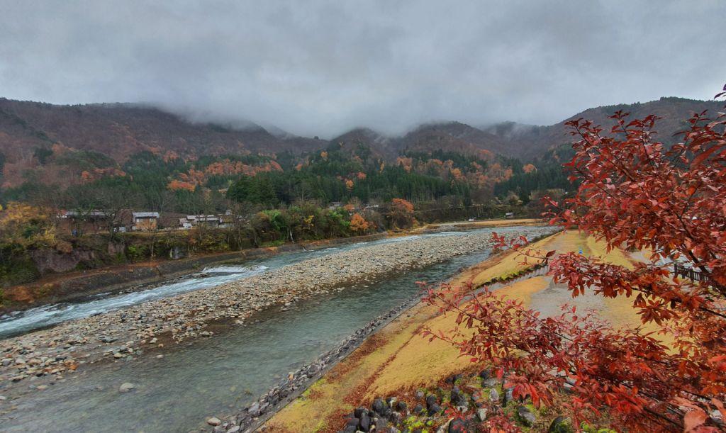 วิวหมู่บ้านชิราคาวาโกะ (Shirakawa-go) ที่ Gifu